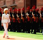 New Delhi: German Defence Minister inspects the guard of honour
