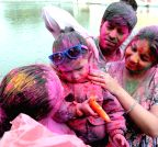 New Delhi: Holi cerebrations at Durgiana Temple