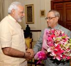 New Delhi: PM Modi calls on the President