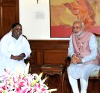 New Delhi: Mata Amritanandamayi Devi calls on PM Modi