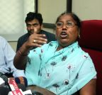 New Delhi: Santosh Koli's mother talks to press