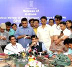 New Delhi: Nitin Gadkari's press conference