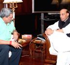 New Delhi: Manohar Parrikar calls on Rajnath Singh