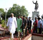 Patna: Nitish Kumar pays homage Jawaharlal Nehru