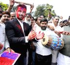 Patna: Chirag Paswan celebrates Holi with party workers