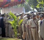 Mumbai: Policemen pay tribute to the victims of  26/11 attacks