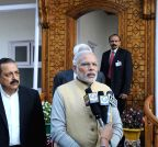 Srinagar: PM modi interacts with mediapersons