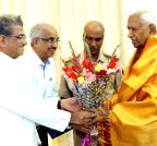 Bangalore: D Veerendra Heggade calls on Karnataka Governor