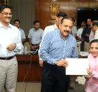 Jitendra Singh felicitates Ira Singhal