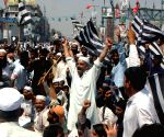 Pak govt to allow JUI-F march if it remains peaceful