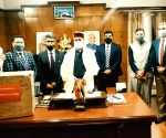 25 medical grade oxygen concentrators presented to Chief Minister in Shimla