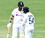 4th Test: Thakur, Sundar help India cut down deficit to 33