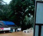 8 dead, 4 missing as heavy rains lash Kerala (Ld)