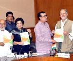 Congress delegation meets Delhi Lt Governor Najeeb Jung