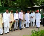 Farmers arrive to meet Rajnath Singh