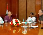 Mukesh Bhatt and Ramesh Sippy calls on Delhi CM and Deputy CM
