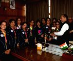 Indian Masters Women Hockey Team meets Himachal CM