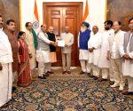 Amit Shah calls on President Kovind