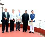 Four member Congress delegation from US meets Maharashtra Governor