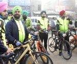 Free Photo: A group of cyclist from NCR's  Faridabad come to support farmers at Singhu