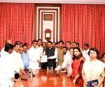 Maharashtra Congress chief meets Balasaheb Thorat