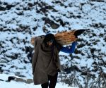 SNOW - 24 photos of Life in Kashmir