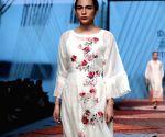 Sakshi Tanwar showcases Pratima Pandey's creations on Day 1 of Lotus Make-up India Fashion Week