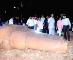 Twin gigantic British-era canons found in Maharashtra Raj Bhavan