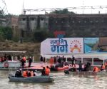 Modi reviews Namami Gange project, takes a boat ride