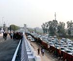 Arvind Kejriwal inaugurates Mayur Vihar flyover