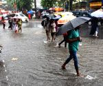 Rain causes water logging in Mumbai