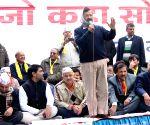 Arvind Kejriwal meets Delhi traders