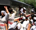 AAP workers detained while going to meet Petroleum Minister