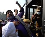 AAP activists protesting against Farm Laws arrested