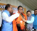 AAP's Anil Kumar Bajpai joins BJP