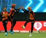 Holder takes 3 on return as SRH restrict RR to 154/6