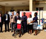 GHANA ACCRA DONATION CHINESE MEDICAL TEAM