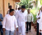 Nikkhil Advani's mother funeral - Abhishek Bachchan