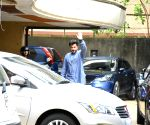 Anil Kapoor seen at Rishi Kapoor's residence