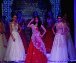Chitrangda Singh showstopper at IIJW 2014 – Day 1