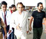 Dharmendra spotted at Mumbai Airport