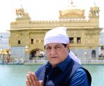 Gajendra Chauhan visits Golden Temple