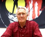 George Lazenby backs female James Bond