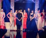 Parineeti showstopper for Aks by Birdhichand Ghanshyamdas show at IIJW 2014 - Day 3