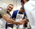 Pasta party ahead of Mumbai Marathon -  Krishna Prakash, Rahul Bose