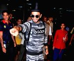 : Mumbai: Actor Ranveer Singh spotted at Airport