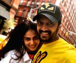 Riteish Deshmukh celebrates Genelia's birthday