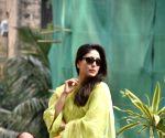 Saif Ali Khan, Kareena Kapoor Khan, Taimur seen at Bandra