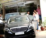 Shahid Kapoor, Mira Rajput seen at Juhu