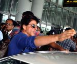 Shahrukh Khan arriving at NSC Bose airport